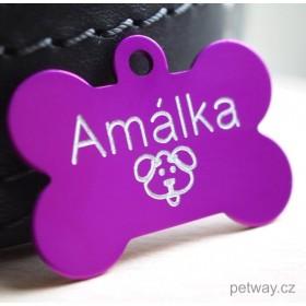 Psí tagiska se jménem a telefonem ve tvaru kostičky a fialové barvě