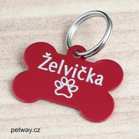 Červená známka na psí obojek s rytím jména psa, symbolu packy a tel. čísel na zadní stranu psí známky