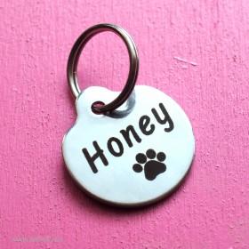 Nerezová psí známka s gravírováním vlastního textu na přání